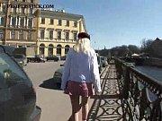 видео как мамас дочкой трахаются