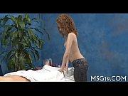 Два парня трахают русскую толстуху с волосатой пиздой