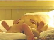 порно-видео девушку приколачивают гвоздями к стулу