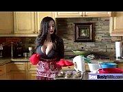 порно видео брат учит сестру ебатя