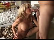 госпожа в латексе и ее служанка порно
