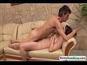 мужчины тискают женские киски эротика