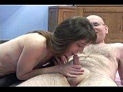 Порно мать дочь зять с огурцом