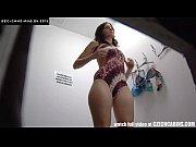 Chica 05 espiada probándose ropa