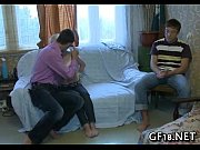 Порно по русски увидел мачеху в комнате