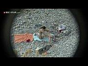 [盗撮新聞]無修正:海水浴で交尾を始めた本格的なバカップル!発情して見境がつかなくなったカップルが公園でチンチンを入れています。 | 盗撮新聞盗撮新聞の無料エロ動画
