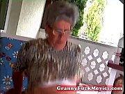 Старые женщины и молодые парни порно