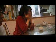 [爆乳]飯を食ってる奥さん!巨乳人妻動画です。 – 巨乳おっぱい大学