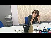 じっとしている事が苦手な美女が社内でオナニー 無修正の無料エロ動画