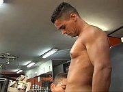 bodybuilders fuck booty bareback style in t …