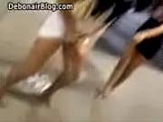 Развратное видео в глотают сперму