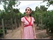 Видео как девушку лижет свои сиьски
