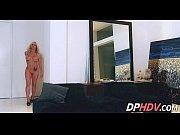 скрытая камера в комнате у лесбиянок