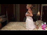 Сцена из обнаженных беременных женщин с