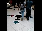 смотреть порно видео худенькая девочка в колготках дрочит ногами член