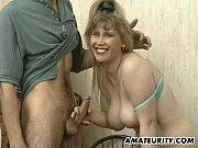 Dona de casa peituda no Xvideos