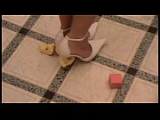 Видео сочные мамы моются под душем