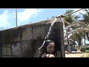 Raquel culona bailando en el balneario