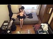 自宅に連れ込んだ素人娘とのエロイ行為を隠しカメラで撮ってみました。