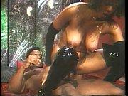 Смотреть как парень ласкает девушку и сасет грудь порно ролик
