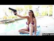 Девушка отлично дрочит парню порно