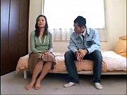 【熟女人妻】セクシー過ぎる美熟女が旦那に内緒で年下の男を誘惑して…-AVマガジン