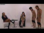 секс на рабочем на столе видео