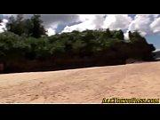 水着姿の美尻周防ゆきこがビーチでジュポジュポフェラ抜きしてくれる | 男と女の潮吹き動画