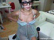 【無料エロ動画】ライブチャットで魅惑のストリップダンスを披露する素人美女のスレンダーな身体がネ申!!!!のサムネイル画像