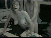 Маму толпой кончили в нее порно