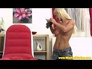 Порно актриса с татуировкой якорь