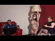Видео порно телка сосет у толпы парней