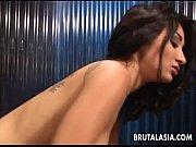 Порно брат с сестрой трахаюца в ваной