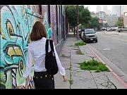 OL美女お姉さんを吊るしてアソコとおっぱいを筆で撫でちゃう|無料エロ動画まとめ SP-ERO.NET