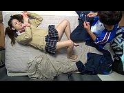 【ロリ動画】制服姿の女子高校生が先輩の部屋でアニマルセックス