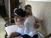 Sexo com a empregada lésbica