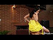 Женский боди арт видео ню в золотой краске