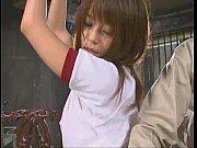 体操服姿で拘束された美人お姉さんが着衣の上からローションを塗られオメコと言わされ恥ずかしそうに身悶える! |