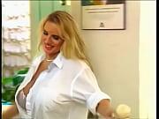 Asistenta Se Fute Cu Un Pacient Venit La Consult
