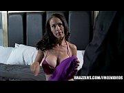 Порно видео жестоко трахнул в жопу
