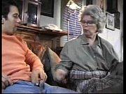 porno-video-babushka-vnuchok