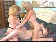 бабы кончают мужику на лицо смотреть