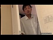 [爆乳]娘のオナニーを覗いてシコシコしているパパ!巨乳人妻動画です。 – 巨乳おっぱい大学