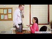 Άγριο πήδημα στο γραφείο και χύσια στο στόμα (33 min)