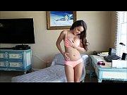Мужик стоит раком и женщина дрочит ему член сзади видео