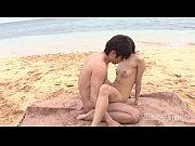 綺麗なビーチで中出しセックスに燃え上げる黒髪美女