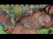 Азиатка сосет огромный член порно видео