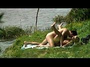 порно смотреть трое обрабатывают на одного