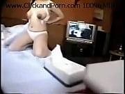 妊婦が乳輪の大きくなった黒乳首から母乳をまき散らす衝撃動画! |