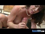 женщина с грудью миньет